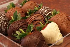 Chocolate covered strawberries! I will make these for my wedding. Super yummy!