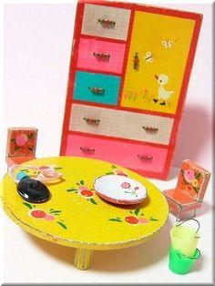 昭和レトロなおままごと(風 ) 手作りミニチュア。☆Japan's retro-ish play house miniatures made by an individual. Vintage Toys, Retro Vintage, Doll Toys, Dolls, Cute House, Retro Pop, Modern Love, Kawaii Cute, Miniture Things
