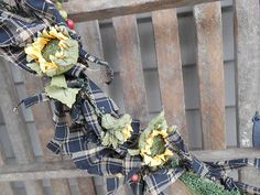 Just love Sunflowers!   This garland is perfect year round!