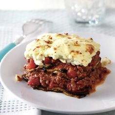 Moussaka - The Culinary Chase Mousaka Recipe, Spinach Casserole, Small Pasta, Greek Dishes, Fresh Bread, Frozen Meals, Food Shows, Sausage Breakfast, Mets