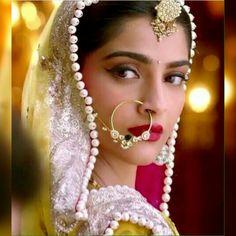 Rajasthani nath Indian Bridal Makeup, Indian Bridal Wear, Big Fat Indian Wedding, Wedding Looks, Bridal Looks, Nose Ring Designs, Nose Jewels, Divas, Indian Photoshoot