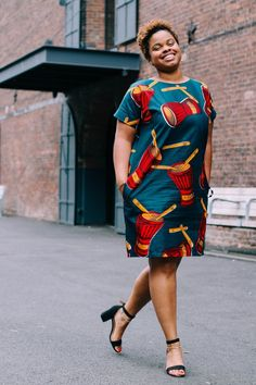 My Red DRUM African print Shift dress. Here is a piece you can style up with some strappy heels or dress it down with some sneakers. Small : Length 37 Bust 18 Armhole 9 Medium: Length 37 Bust 21 Armhole 9 Large: Length 37 Bust 23 Armhole 9 X-Large: Length African Fashion Ankara, African Inspired Fashion, Latest African Fashion Dresses, African Print Fashion, Africa Fashion, African Style, Tribal Fashion, Short African Dresses, African Print Dresses