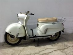Skuter Osa polski design wzornictwo, made in Poland Car Polish, Motorized Bicycle, Engin, Old Bikes, Motorcycle Design, Automotive Design, Custom Bikes, Vespa, Bobber
