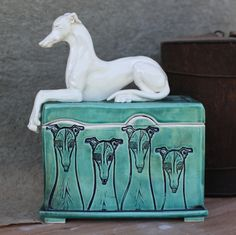 Sarah Regan Snavely is a studio artist & sculptor who works in North Dakota making clay sculptures, handmade tile & sterling silver jewelry. Greyhound Art, Italian Greyhound, Animal Sculptures, Sculpture Art, Lurcher, Whippets, Pet Memorials, Dog Art, Beautiful Dogs
