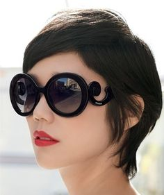 Prada Baroque Sunglasses-It inspires one to embrace the grandeur and  sculpture of the baroque period. Prada was able to merged two worlds of  fashion and ... 8ae4064f8