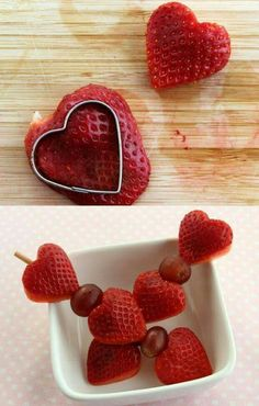 3 Healthy Strawberry Snacks for Valentine's Day - All you need is a cookie cutter and a skewer (or plastic straw for small children) Strawberry Snacks, Strawberry Hearts, Raspberry Fruit, Healthy Snacks With Fruit, Healthy Kids, Apple Snacks, Valentines Day Treats, Diy Valentine, Valentine Food Ideas