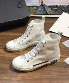 """Christian Dior Unisex """"B23"""" high-top sneaker Cleaning Room, Dior Logo, Cotton Lace, Christian Dior, High Top Sneakers, Converse, Unisex, Canvas, Christmas"""