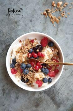 Boekweit granola - Food Love Life Being Breakfast Bowls, Breakfast Recipes, Granola, Hello Fresh Recipes, Y Food, Smoothie Bowl, Cravings, Brunch, Healthy Recipes