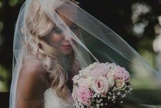Beautiful bride. #wedding #weddingphotography #bride #veil #portrait #hääkuvaus #morsian #turku #turunlinna Brides, Crown, Beautiful, Jewelry, Fashion, Moda, Corona, Jewlery, Bijoux