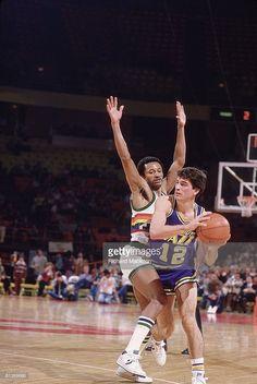 Utah Jazz John Stockton (12) in action vs Denver Nuggets Mike Evans (5), Denver, CO 12/1/1984