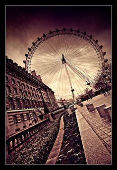 the london eye  been there..but would love to go again :)