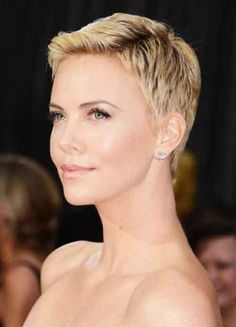 #short #blonde #hairstyle