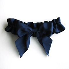 Big Bow Garter in Navy Blue Vintage Ribbon from A Alicia Wedding Prom Garters, Bridal Garters, Bridal Shoes, Wedding Jewelry, Garter Belt Wedding, Blue Garter, Something Blue Wedding, Simple Weddings, Bridal Accessories
