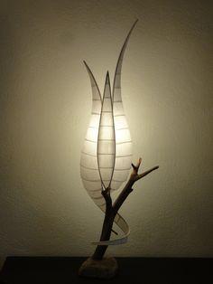 lampe à poser en bois de châtaigner et papier japonais M080