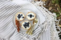 Summer is a time to reach for simple and straight-forward recipes, the kind that only require pantry staples and little else. Here& a sweet one, it& been a fe Raw Cheesecake, Cheesecake Recipes, Sweets Recipes, Raw Food Recipes, Desserts, Petite Kitchen, Summer Fruit, Kitchen Recipes, Healthy Treats