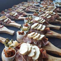 Hire Mobile Hog Roast, traditional British food for customised catering. Wedding Reception Food, Wedding Catering, Food Truck Wedding, Wedding Entrance, Pig Roast Wedding, Pig Roast Party, Food Festival, Creative Food, Food Design