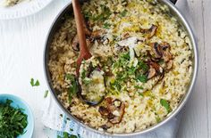 This risotto is packed with rich flavours like salty Parmesan, creamy mascarpone and nutty mushrooms. For more healthy recipes, head to Tesco Real Food. Risotto Dishes, Risotto Recipes, Arancini Recipe, Italian Street Food, Vegetarian Recipes, Healthy Recipes, Healthy Dinners, Drink Recipes, Lasagne Recipes