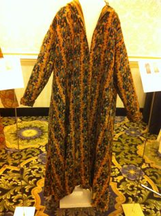 1840s-50s wool challis dressing gown with two different cotton prints for lining. PNJW collection at the 2011 Harrisburg Conference, Ladies and Gentlemen of the 1860s. Click through for enlargement, or http://aylwen.blogspot.com/2011/03/1860s-garments-at-ladies-gentlemen-of.html for more photos by Aylwen Gardiner-Garden.