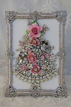 Vintage-Jewelry-Framed-Christmas-Tree-pink-roses-clear-rhinestones-dove