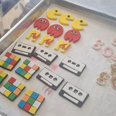 80's themed cupcake toppers!