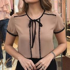 DIY Fashion Ideas – What you Need to be Creative – Designer Fashion Tips Work Fashion, Diy Fashion, Fashion Outfits, Womens Fashion, Fashion Trends, Do It Yourself Fashion, Blouse Designs, What To Wear, Cool Outfits