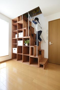 Look look! I can climb so well! ~ Loft stairs with limited space ~ | LOHAS studio | Lohas Studio- Lohas Studio up and look so well. Look look! I can climb so well! cb c_bernsee Dachgeschosse Look look! Space Saving Staircase, Small Staircase, Loft Staircase, Tiny House Stairs, Attic Stairs, Staircase Design, Attic Floor, Interior Stairs, Interior Design Living Room