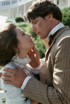Jane Seymour and Christopher Reeve in Somewhere in Time (1980)