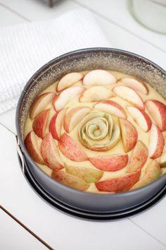omenakakku  / Uusi Kuu -blogi Real Food Recipes, Cake Recipes, Best Apple Pie, Apple Seeds, Did You Eat, Apple Orchard, Baking And Pastry, Apple Cake, Bourbon