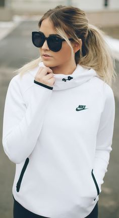 Best Outfit Ideas With Nike Outfits, To inspire confidence and beauty through redefined and affordable fashion. Look Fashion, Teen Fashion, Womens Fashion, Fashion Trends, Fashion Styles, Athletic Outfits, Athletic Wear, Looks Adidas, Winter Outfits