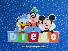 Decorando con goma eva: Cartel para la puerta con Donald, Goofy y Mickey Mickey Mouse, Banners, Names, Baby Shower, Scrapbook, Door Hangings, Licence Plates, Baby Mickey, Babyshower