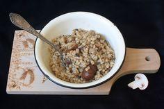 תבשיל גריסים עם פטריות וערמונים (צילום: ילנה ויינברג)