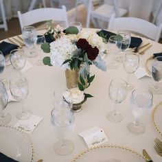Sweetly Paired Wedding Planning - Website: sweetlypaired.com - Contact us: love@sweetlypaired.com - Instagram: @sweetlypaired –Photography: Preston at prestonutley.com – Floral: Bella Calla