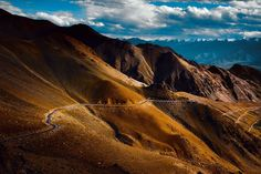 The World's Most Beautiful & Place - ladakh By Charungroj Bunphabuth Beautiful Roads, World's Most Beautiful, Places To Travel, Travel Destinations, Places To Visit, Travel Tips, Ladakh India, On The Road Again, Nature Images