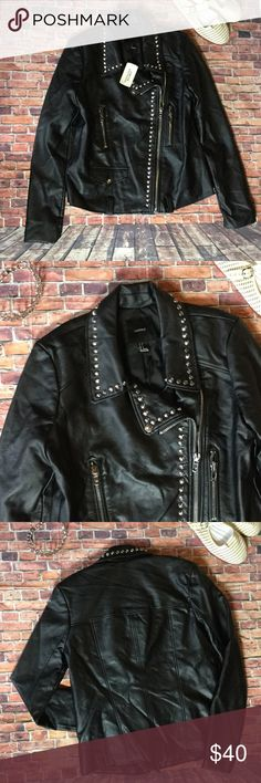 "Hot! Rocker moto faux leather jacket nwt sz S nwt Hot! Rocker moto faux leather jacket nwt sz S. Armpit to armpit 17"", shoulder to bottom 23"". Faux leather, polyester lining. Forever 21 Jackets & Coats"