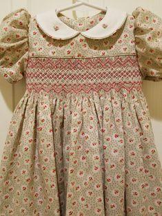 Smocking Baby, Smocking Patterns, Dress Patterns, Smocking Plates, Sewing Patterns, Smocked Baby Clothes, Girls Smocked Dresses, Little Girl Dresses, Baby Dress Design
