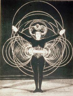 "ArtPlastoc: 246-OSKAR SCHLEMMER, ""LE BALLET TRIADIQUE"", 1922"