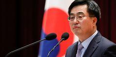 Під час поїздки в Китай міністр фінансів Південної Кореї Кім Донг-Йон заявив, що блокчейн може «зруйнувати світ і повністю змінити його». Він також сказав, що технологія «є важливим технологічним проривом для розвитку четвертої промислової революції», пише Cointel
