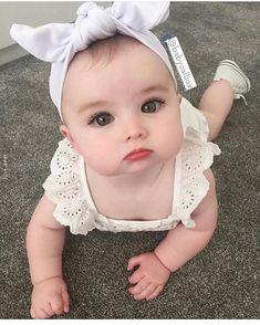 Bom dia com muito fofura So Cute Baby, Cute Baby Girl Pictures, Pretty Baby, Cute Baby Clothes, Cute Kids, Beautiful Children, Beautiful Babies, Funny Babies, Cute Babies