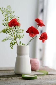 Haz lindas flores de papel paso a paso para tu hogar   Hola amigas y amigos de Solountip.com , te damos la bienvenida a este tu sitio favori...