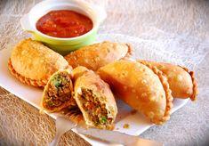 Empanadas - meksykańskie pierożki z ostrym sose - DoradcaSmaku. Empanadas, Tex Mex, Pretzel Bites, Fresh Rolls, Hot Dog Buns, Grilling, Lunch Box, Favorite Recipes, Ethnic Recipes