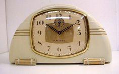 Art deco. Reveille matin d'époque. Alarm clock vintage.