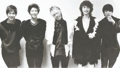 SHINee Ring Ding Dong. Makes my heart race<3