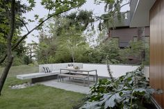 Concrete wall +built in bench (SHED Architecture & Design)