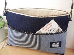 「ファスナー付き斜め掛...」記事の画像 Patchwork Bags, Quilted Bag, Tote Bags For College, Japanese Bag, Pouch Bag, Pouches, Denim Bag, Fabric Bags, Casual Bags