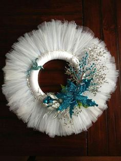 Winter Wreath White Tulle with Blue Accents. Tulle Crafts, Wreath Crafts, Diy Wreath, Holiday Crafts, Wreath Ideas, Deco Mesh Wreaths, Holiday Wreaths, Winter Christmas, Christmas Ornaments