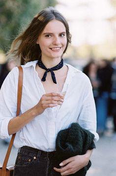 Tilda Lindstam Off Duty Street Style Inspiration Spring Summer Fashion, Autumn Winter Fashion, Tilda Lindstam, Vanessa Jackman, Streetwear, Spring Tops, Parisian Chic, Tomboy Fashion, Pocket Squares