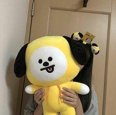 photo by : chimmy_vi Korean Aesthetic, Aesthetic Photo, Purple Aesthetic, Army Room, Foto Instagram, Kpop Merch, Mellow Yellow, Ulzzang Girl, Ulzzang Korea