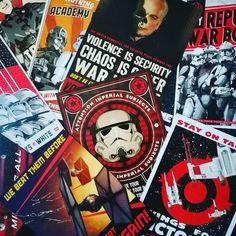 Le bouquin #StarWars Propaganda est tellement cool ! J'en parle sur le blog avec quelques photos ! Lien direct dans ma bio :) #Propaganda #EndorIsALie #DarkVador #Book #TieFighter #Stormtrooper #Lucasfilm #Disney #Xwing