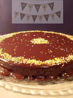 Κέικ σοκολάτας με γκανάζ / Chocolate cake with ganache Brownie Cake, Brownies, Chocolate Ganache Cake, Greek Desserts, Cake Pops, Macarons, Sweet Recipes, Caramel, Deserts