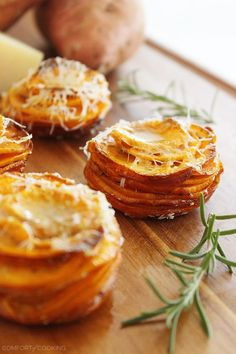 Crispy Parmesan-Rosemary Sweet Potato Stacks – These crisp, buttery Parmesan-rosemary sweet potato stacks are SO delicious and only need 4 ingredients! | thecomfortofcooking.com